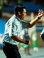 CALI -COLOMBIA-28-AGOSTO-2014. Hector Cardenas director tecnico del Deportivo Cali durante el partido contra UTC Cajamarca del Peru durante las eliminatorias de la Copa Sudamericana jugado en el estadio Pascual Guerrero de la ciudad de  Cali . /  Hector Cardenas  coach of Deportivo Cali of Colombia during match against UTC Cajamarca  of Peru during qualifiers will played in the Copa Sudamericana Pascual Guerrero stadium in Cali.  Photo: VizzorImage / Juan Carlos Quintero / Stringer