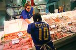 Il mercato del pesce di Porta Palazzo. Porta Palazzo fish market.