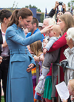 Kate, Duchess of Cambridge & Prince William visit 1st World War Memorial in Blenheim - New Zealand