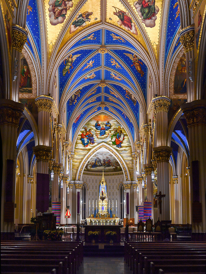 December 12, 2019; Basilica of the Sacred Heart interior (Photo by Matt Cashore/University of Notre Dame)