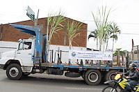 PIRACICABA, 24.04.14 - PROTESTO CANAVIEIROS - Produtores rurais, empresários do ramo, sindicatos e vereadores de Piracicaba saíram as ruas esse manhã para protestar contra o subsídio a gasolina, postos de trabalhos perdidos, usinas fechadas em Piracicaba nesta quinta-feira, 24. ( Foto: Mauricio Bento / BrazilPhotoPress )