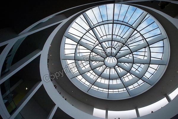February 2, 2003; Munich, Germany; Interior architecture detail of the Pinakothek der Moderne modern art museum in Munich. Photo: © Ron Scheffler