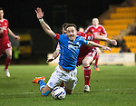 St Johnstone v Aberdeen...23.01.15   SPFL<br /> Steven MacLean goes down under a challenge from Mark Reynolds<br /> Picture by Graeme Hart.<br /> Copyright Perthshire Picture Agency<br /> Tel: 01738 623350  Mobile: 07990 594431