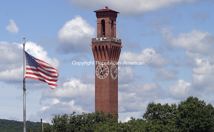 WATERBURY, CT -22 JUNE 2008 -062008DA05- A view of thew Republican-American clock tower and the American flag in Waterbury for a new series about the history of towns starting July 7th.  Darlene Douty/Republican-American