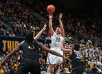 Mikayla Lyles of California shoots the ball during the game against Stanford at Haas Pavilion in Berkeley, California on February 2nd 2014.   Stanford defeated California, 79-64.