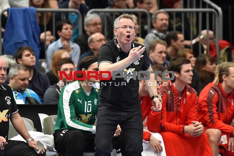 02.04.2016, LANXESS arena, K&ouml;ln , GER, Handball DHB Testl&auml;nderspiel,   Deutschland (GER) vs. D&auml;nemark ( DK) <br /> <br /> im Bild / picture shows: <br /> GUDMUNDUR GUDMUNDSSON Trainer ( D&auml;nemark/Daenemark) regt sich auf <br /> <br /> <br /> <br /> Foto &copy; nordphoto / meuter