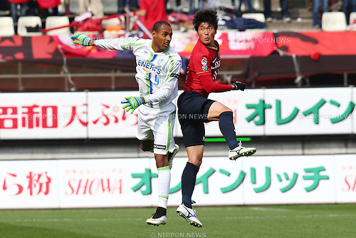 (L-R)<br />  Bruno Cesar (Bellmare),<br />  Hwang Seok Ho (Antlers),<br /> MARCH 14, 2015 - Football / Soccer : <br /> 2015 J1 League 1st stage match between<br /> Kashima Antlers 1-2 Shonan Bellmare<br /> at Kashima Soccer Stadium in Ibaraki, Japan.<br /> (Photo by Shingo Ito/AFLO SPORT)