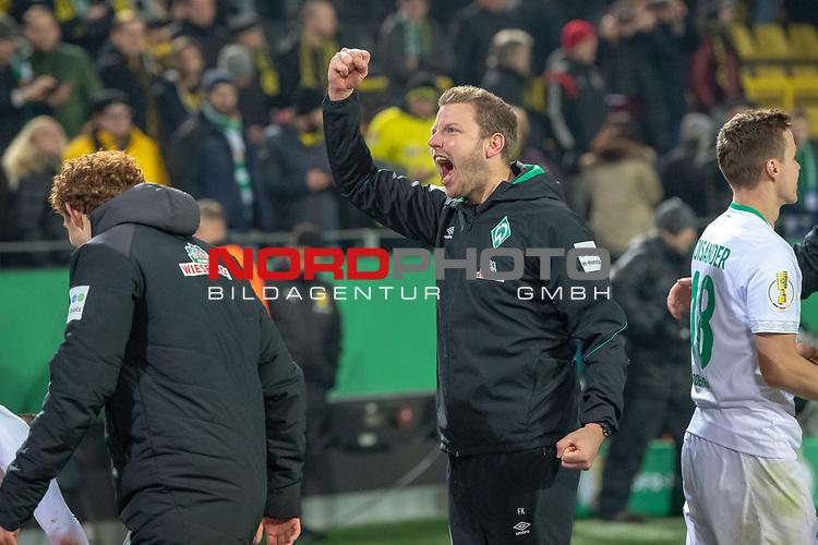05.02.2019, Signal Iduna Park, Dortmund, GER, DFB-Pokal, Achtelfinale, Borussia Dortmund vs Werder Bremen<br /> <br /> DFB REGULATIONS PROHIBIT ANY USE OF PHOTOGRAPHS AS IMAGE SEQUENCES AND/OR QUASI-VIDEO.<br /> <br /> im Bild / picture shows<br /> <br /> Jubel Sieg <br /> Florian Kohfeldt (Trainer SV Werder Bremen)<br /> <br /> Foto © nordphoto / Ewert