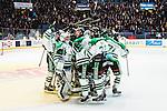 Stockholm 2014-03-21 Ishockey Kvalserien AIK - R&ouml;gle BK :  <br /> R&ouml;gles Kevin Lindskoug och R&ouml;gles Andreas Lilja jublar efter den avg&ouml;rande straffr&auml;ddningen med lagkamrater<br /> (Foto: Kenta J&ouml;nsson) Nyckelord:  jubel gl&auml;dje lycka glad happy