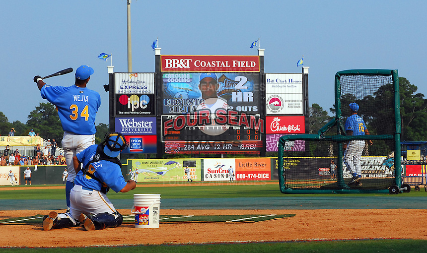June 24, 2008: Ernesto Mejia watches his winning homer go over the fence to win the Home Run Derby at the Carolina-California All-Star Game on June 24, 2008, at BB&T Coastal Field in Myrtle Beach. Photo: Tom Priddy /  Four Seam Images