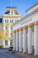 Austria, Upper Austria, Salzkammergut, Bad Ischl: Pump Room, built 1829-1831 by Franz Loessl and the post office, built 1895 | Oesterreich, Oberoesterreich, Salzkammergut, Bad Ischl: Trinkhalle, erbaut 1829 bis 1831 von Franz Loessl und das Post- u. Telegrafenamt, erbaut 1895