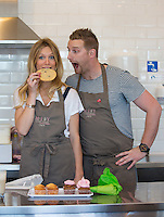 Sandrine Corman & Julien Lapraille chez M-Joy Cupcakes - Exclu - Waterloo