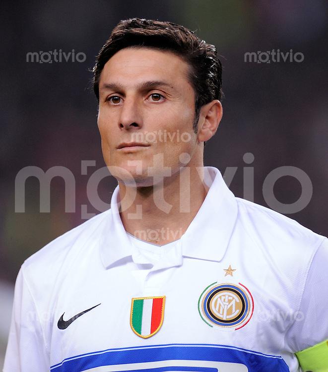 FUSSBALL  International  Champions League  SAISON 2009/2010    FC Barcelona - Inter Mailand        24.11.2009 Javier Zanetti (Inter)