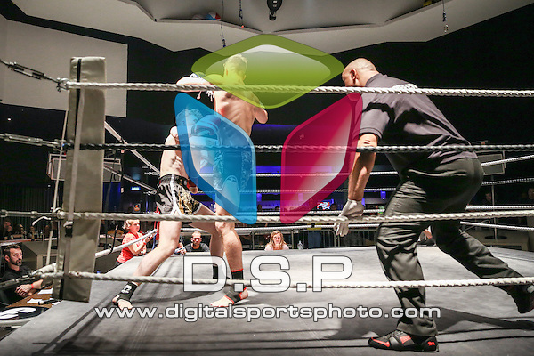 Tom Devine VS Chris Melhuish. Photo by: Stephen Smith<br /> <br /> Fast and Furious 14 - Sunday 30th August 2015. Oceana, Southampton, Hampshire, United Kingdom.
