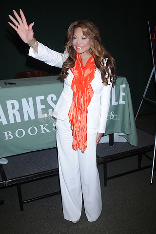 La Toya Jackson promotes her new book, 'Starting Over' at Barnes & Noble Tribeca on June 22, 2011 in New York City. © mpi01 / MediaPunch Inc.