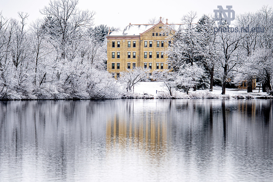 January 4, 2020; Carroll Hall and St. Mary's Lake during a snowfall (Photo by Matt Cashore/University of Notre Dame)