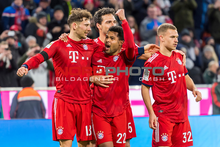 09.02.2019, Allianz Arena, Muenchen, GER, 1.FBL,  FC Bayern Muenchen vs. FC Schalke 04, DFL regulations prohibit any use of photographs as image sequences and/or quasi-video, im Bild Jubel nach dem Tor zum 3-1 durch Serge Gnabry (FCB #22) mit Joshua Kimmich (FCB #32) Leon Goretzka (FCB #18) Mats Hummels (FCB #5) <br /> <br />  Foto &copy; nordphoto / Straubmeier