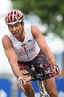 31 JUL 2005 - SALFORD, UK - Sir Rocco Forte - Salford Triathlon. (PHOTO (C) NIGEL FARROW)
