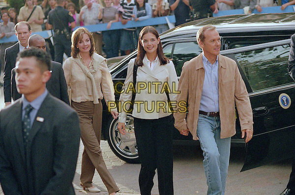 MARGARET COLIN, KATIE HOLMES & MICHAEL KEATON.in First Daughter.Filmstill - Editorial Use Only.Ref: FB.www.capitalpictures.com.sales@capitalpictures.com.Supplied by Capital Pictures
