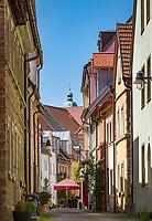Germany, Bavaria, Lower Franconia, Schweinfurt: lane 'Rittergasse' in old town | Deutschland, Bayern, Unterfranken, Schweinfurt: Rittergasse in der Altstadt