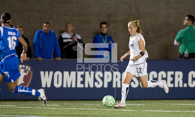 Los Angeles Sol midfielder Manya Makoski (22). The Boston Breakers defeated Los Angeles Sol, 2-1, at Harvard Stadium on May 2, 2009.