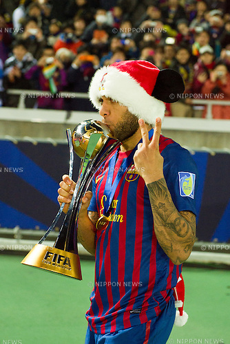 Daniel Alves (Barcelona), DECEMBER 18, 2011 - Football / Soccer : Daniel Alves of Barcelona celebrates with the trophy after winning the FIFA Club World Cup Japan 2011 Final match between Santos FC 0-4 FC Barcelona at Yokohama International Stadium in Kanagawa, Japan. (Photo by Enrico Calderoni/AFLO SPORT) [0391]