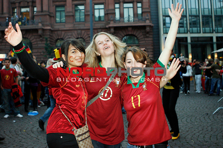 UEFA Euro 2008 Group B Fanmeile Bremen Match 25 <br /> <br /> Portugal ( POR ) - Deutschland ( GER ) <br /> Portugal vs. Germany<br /> <br /> Fanmeile und Public Viewing in Bremen.<br /> Trotz des RŁckstandes kŲnnen portugisische Fans noch froh feiern.<br /> <br /> Foto &copy; nph (  nordphoto  ) *** Local Caption ***