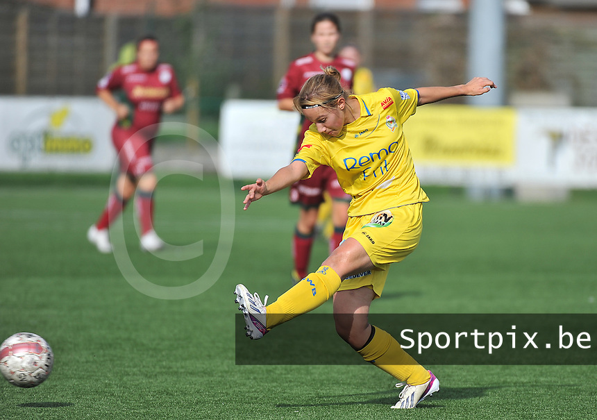 Dames Zulte Waregem - WB Sinaai Girls : Stephanie Ehlen <br /> foto David Catry / VDB