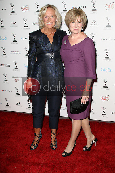 Glenn Close and Mary Kay Place<br />