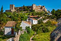 Spanien, Andalusien, Provinz Cádiz, Costa del Sol, Castellar de la Frontera: Castillo de Castellar - ein Dorf als Festung   Spain, Andalusia, Province Cádiz, Costa del Sol, Castellar de la Frontera: Castillo de Castellar