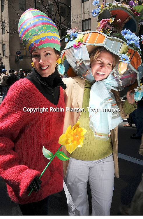 Women with elaborate hats