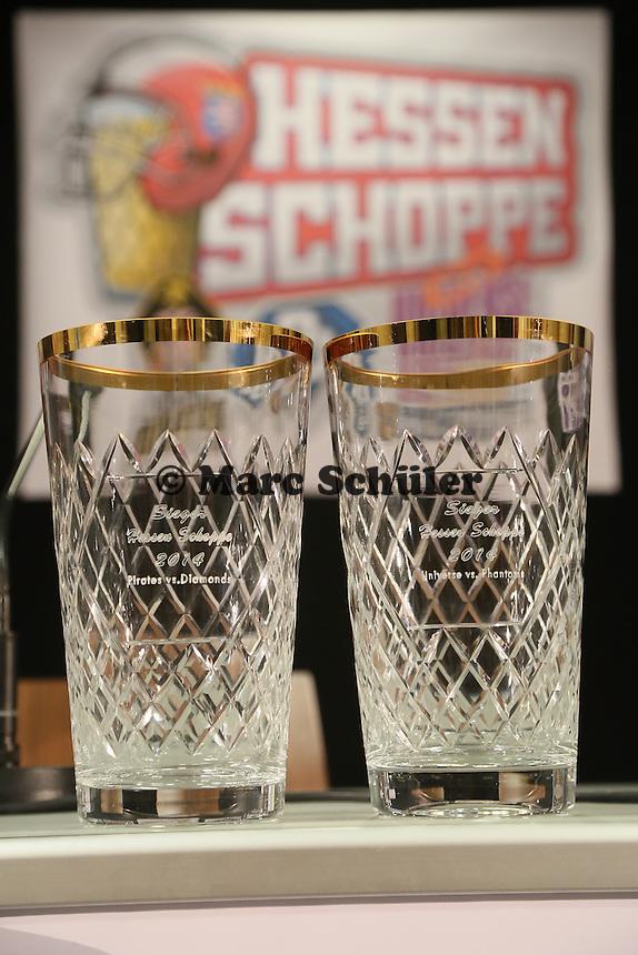 """Pokale des """"Hessen Schoppe"""", dem Derby zwischen den vier südhessischen American Football Zweitligisten in der Frankfurter Commerzbank Arena"""