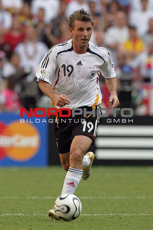 FIFA WM 2006 -  Round of Sixteen - / Viertelfinale <br /> Play    #49 (24-Jun) - Deutschland - Schweden 2:0<br /> <br /> Bernd schneider<br /> <br /> Foto &copy; nordphoto