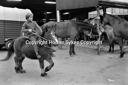 Southall weekly Wednesday Horse market London 1983. My ref 16/4460/,1983,