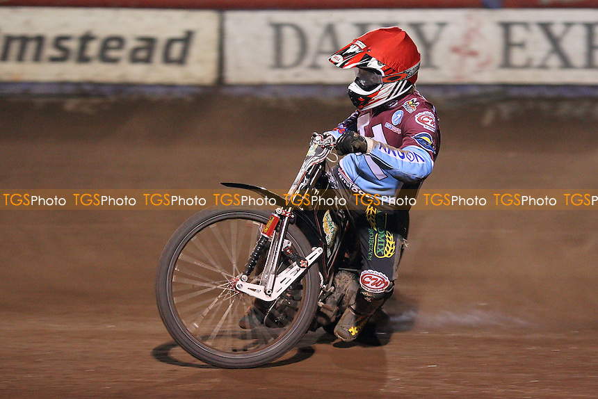 Adam Shields of Lakeside - Lakeside Hammers vs Wolverhampton Wolves - Sky Sports Elite League Speedway at Arena Essex Raceway, Purfleet - 01/05/09 - MANDATORY CREDIT: Gavin Ellis/TGSPHOTO - Self billing applies where appropriate - 0845 094 6026 - contact@tgsphoto.co.uk - NO UNPAID USE.