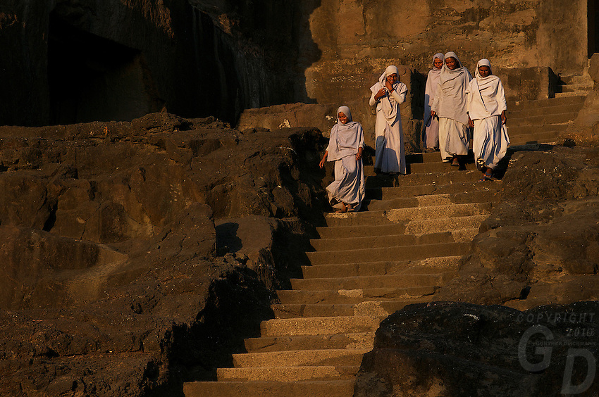 Jai shri krushni panth (mahanubhav pantheist)nuns visiting one of the ellora caves<br />