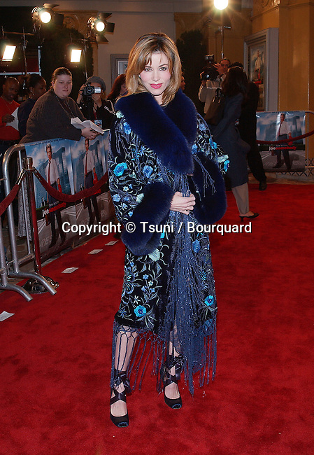 ShauneBagwell arriving  at the premiere of Joesomebody at the Man Village Theatre in Los Angeles. December 19, 2001.  BagwellShaune01F.JPG