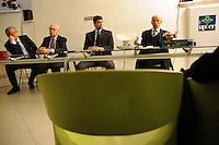 """UPTER GREEN.Upter - Università Popolare di Roma ha presentato in conferenza stampa Upter Green che intende offrire, attraverso l'avvio di corsi introduttivi agli ecolavori, la possibilità di avvicinarsi ai mestieri verdi, i cosiddetti """"Green Jobs"""", contribuendo a formare i professionisti del futuro.Francesco Florenzano,presidente Upter.Domenico Carra,cda di Sorgenia.Enzo Patierno,Upter Green.Giovanni Lispi, Sorgenia..."""