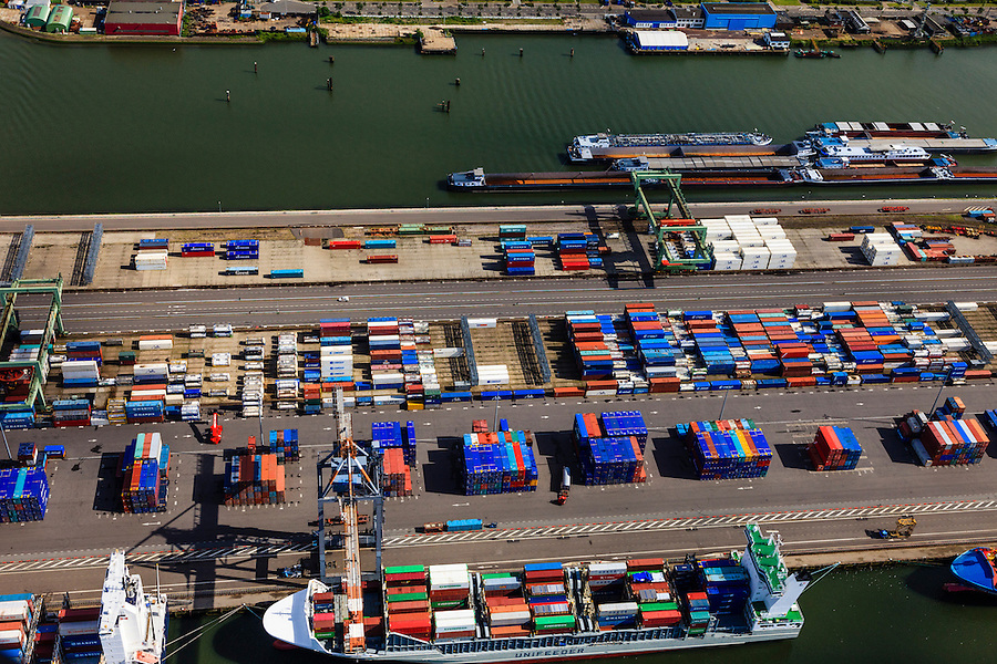 Nederland, Zuid-Holland, Rotterdam, 15-07-2012; Waalhaven met containerterminals en containeroverslag. Detail....QQQ.luchtfoto (toeslag), aerial photo (additional fee required).foto/photo Siebe Swart