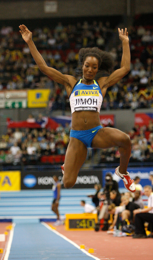 Photo: Richard Lane/Richard Lane Photography..Aviva Grand Prix. 21/02/2009. USA's Funmi Jimoh during the long jump of the women's three event challenge.