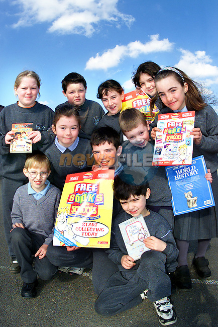 Monica McGuirk, David Clerkin, Niamh Maguire, innes Johnstone, Donna Flaherty, conaill McAdam, Mirian Goodman, Joseph Taaffe, Joshua O'Shaughnessy and Aodhnait McAdam, pupils from St. Colmcilles National School, Mount Hanover, Co. Meath who are taking part in the books for Schools scheme..Picture: Paul Mohan/Newsfile