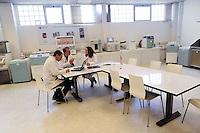- ditta Milestone a Sorisole (Bergamo), produzione di apparecchiature diagnostiche ospedaliere, laboratorio di ricerca<br /> <br /> - Milestone company in Sorisole (Bergamo), production of hospital diagnostic equipments, research laboratory