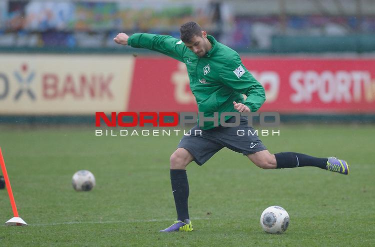 07.02.2014, Trainingsgelaende, Bremen, GER, 1.FBL, Training Werder Bremen, im Bild Torben Rehfeldt (Bremen #19)<br /> <br /> Foto &copy; nordphoto / Frisch