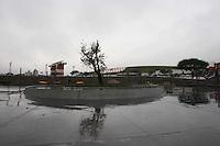 """SAO PAULO, SP, 17/ 07/2012, MEMORIAL 17 DE JULHO. Ha exatamente 5 anos, acontecia o maior acidente da aviacao brasileira, no local foi erguido um monumento chamado """"Memorial 17 de Julho"""" em homenagem as vitimas. Luiz Guarnieri/ Brazil Photo Press."""