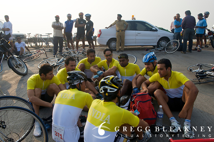 Indian development team riders discusses their race strategy prior to start - 2010 Tour of Mumbai Cyclothon - India