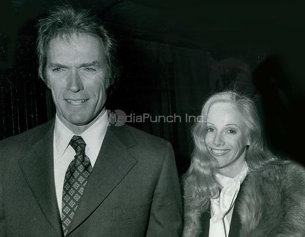 Clint Eastwood & Sondra Lockei 1977<br /> Photo By John Barrett-PHOTOlink.net / MediaPunch