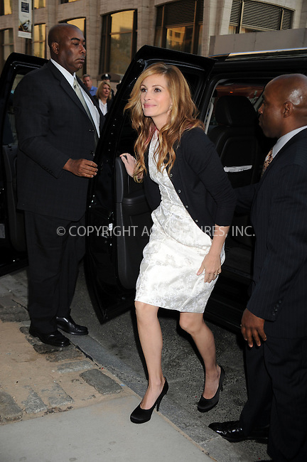 WWW.ACEPIXS.COM . . . . .  ....April 27 2009, New York City....Actress Julia Roberts at the 36th Film Society of Lincoln Center's Gala Tribute to Tom Hanks at Alice Tully Hall on April 27, 2009 in New York City.....Please byline: KRISTIN CALLAHAN - ACEPIXS.COM.... *** ***..Ace Pictures, Inc:  ..tel: (212) 243 8787..e-mail: info@acepixs.com..web: http://www.acepixs.com