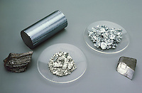 CARBON GROUP ELEMENTS<br /> Group 14 Elements<br /> From left to right: Carbon, Silicon, Germanium, Tin, and Lead. All of these elements have four valance electrons.
