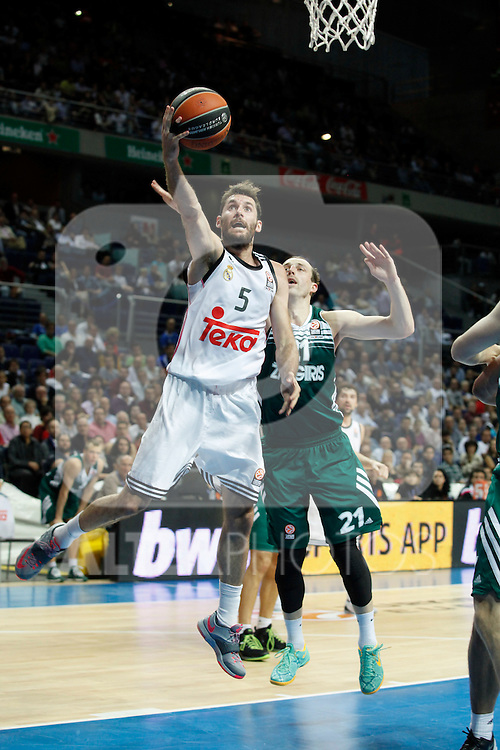 Basketball Real Madrid´s Rudy Fernandez (L) and Zalgiris Kaunas´s Milaknis during Euroleague basketball match in Madrid, Spain. October 17, 2014. (ALTERPHOTOS/Victor Blanco)
