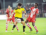 2015-10-30 / Voetbal / seizoen 2015-2016 / SK Lierse - R. Antwerp FC / Ahmed Mostofa Sayed (l. Lierse) met Mamoutou N'Diaye<br /><br />Foto: Mpics.be